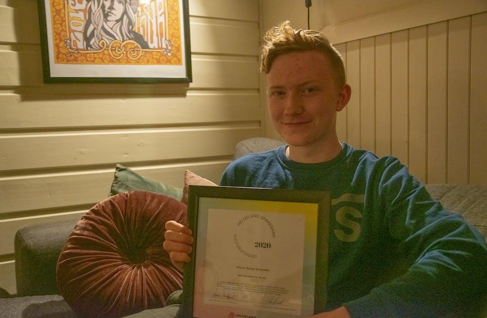 Oliver Bang Skreslett fra Hemnesberget er en av 23 glade ungdommer som har fått Idretts- og Kulturstipend fra Helgeland Sparebanks Gavestiftelse i 2020.