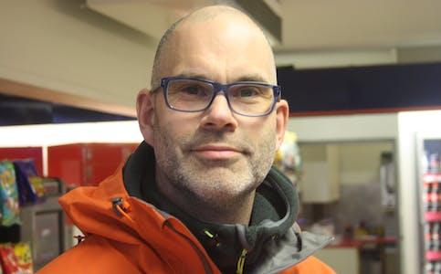 Leder i Naturvernforbundet i Rana, Frode Solbakken, ønsker en opprusting av Nordlandsbanen.