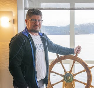 Steinar Anshus fra Mosjøen er ny fabrikksjef ved Natre vinduer på Hemnesberget.