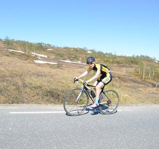 Vinner av kvinneklassen på Kongeetappen 2021, og sykler for Mosjøen Omegn Cycleklubb