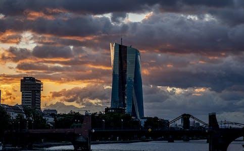 Det blir heller ingen endringer i ESBs program for støttekjøp av obligasjoner, opplyser Den europeiske sentralbanken etter sitt siste rentemøte. (Arkivfoto)