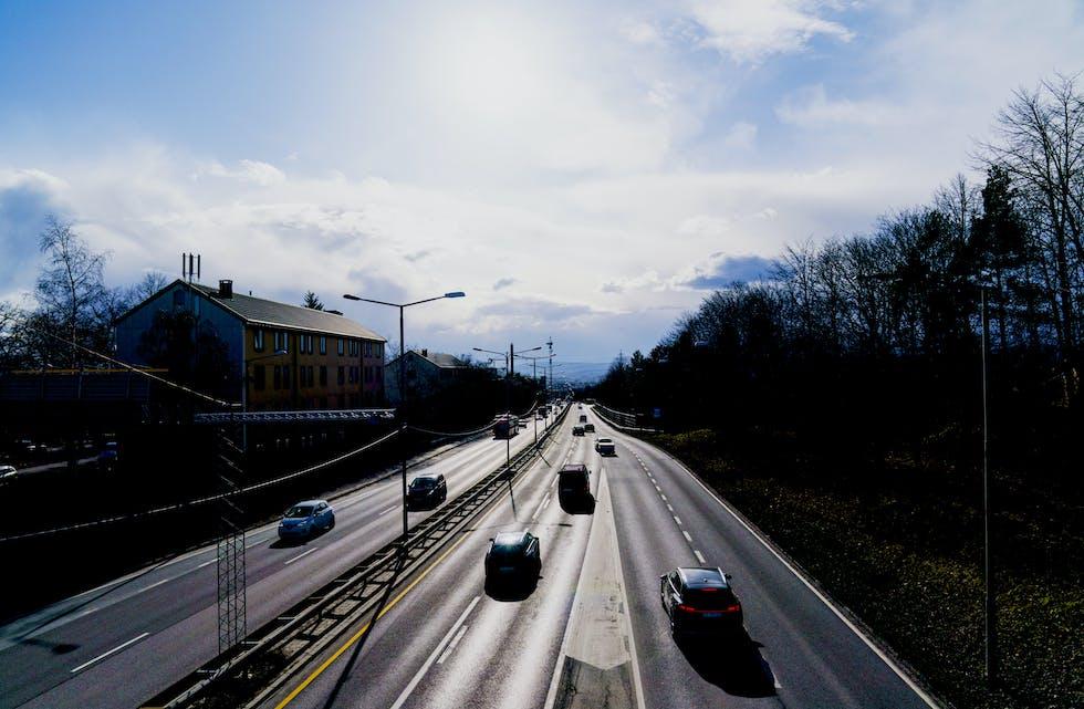 Sommeren er høysesong for trafikkulykker, noe som framkommer også i statistikken over omkomne i trafikken. (Illustrasjon)