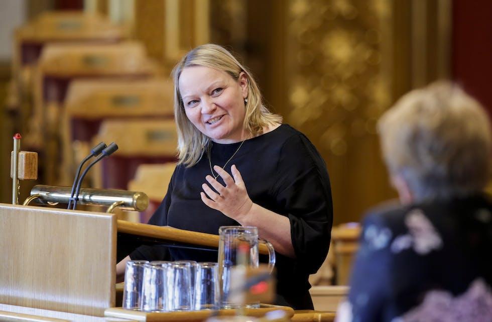 SVs Mona Fagerås fikk hjelp fra noen sene forhåndsstemmer tirsdag kveld.