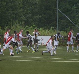 Det endte med tap 2-1 da Hemnes IL gjest Lurøy FK søndag 12. september. (Bildet er fra hjemmemøtet mot Mo IL.)
