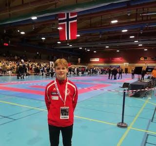 I finalen endte det med tap 0-3, men hemnesgutten Viktor Larsen kan være stolt av sølvmedalje i NM.