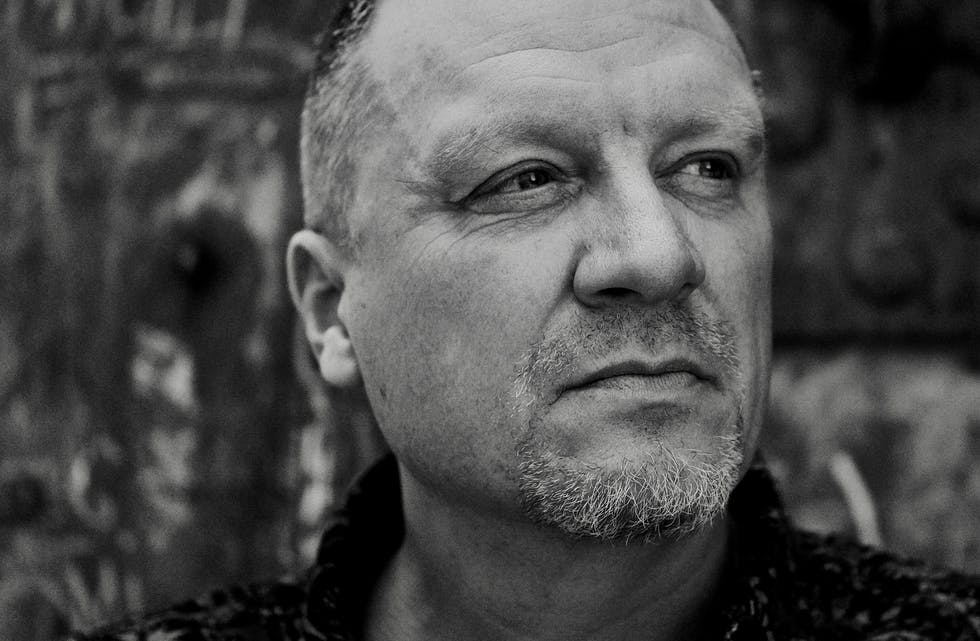Hemnesværingen Hallvard Aanes gir ut singelen «Hjertegull» på Craigtones Music Production fredag 15. oktober.