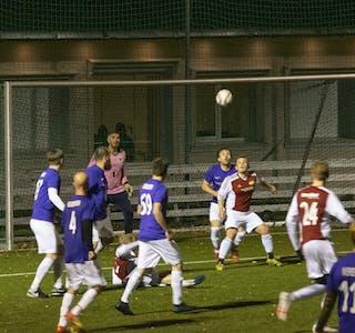 Hemnes IL sørget for å avslutte årets sesong med en sterk hjemmeseier mot Stålkameratene. Bildet er fra oppgjøret mot FK Silkefot.