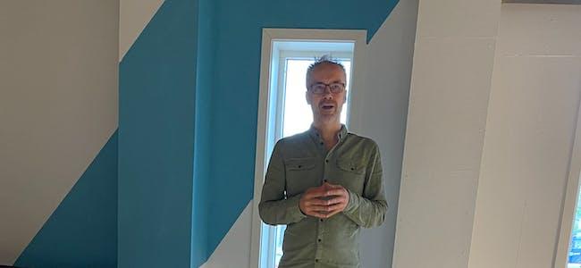 Svein Hammer, som er leder i Okstindan natur- og kulturpark startet lunsjmøte i Væxt sine lokaler på Hemnesberget.